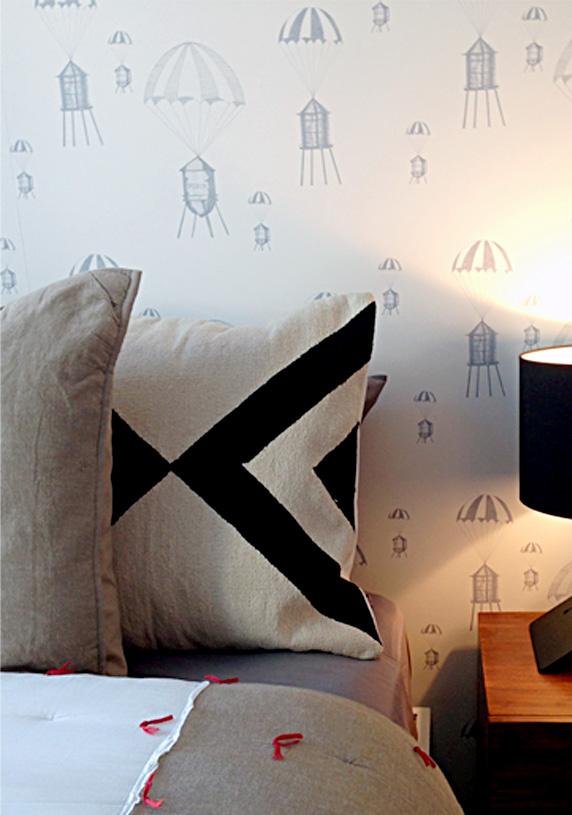 250N10 Chutes Wallpaper
