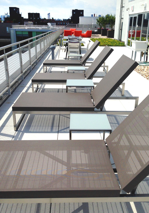 250N10 Rooftop Loungers
